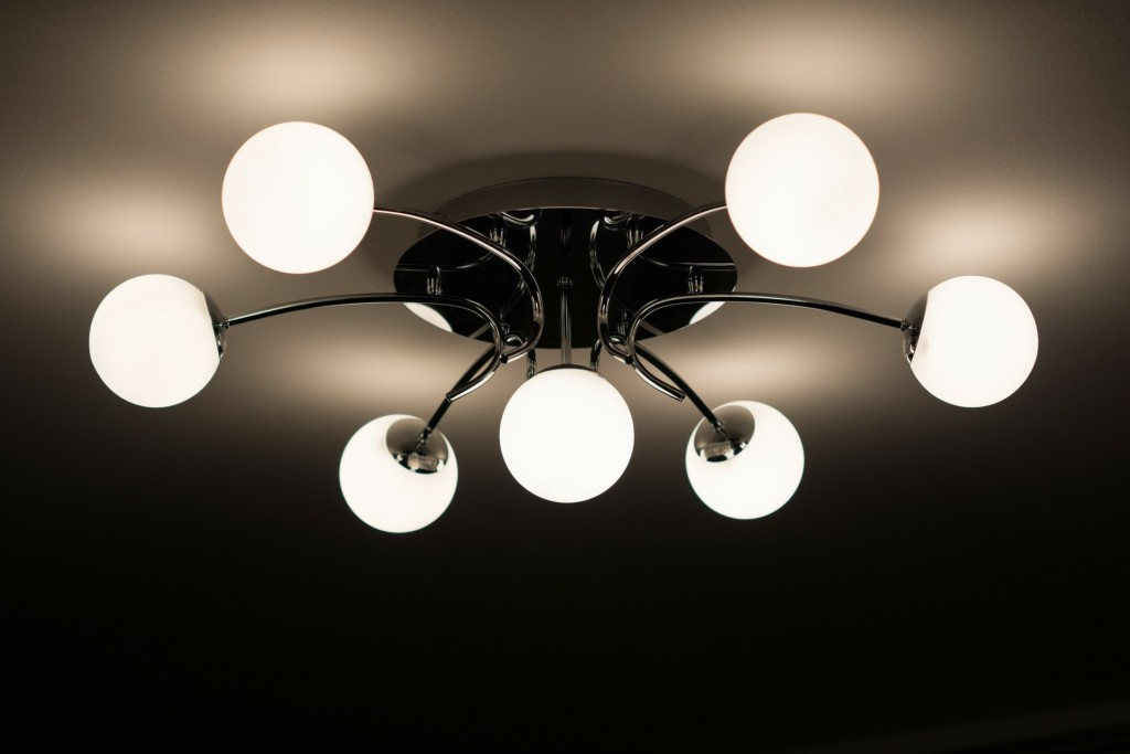 Pulizia dei lampadari